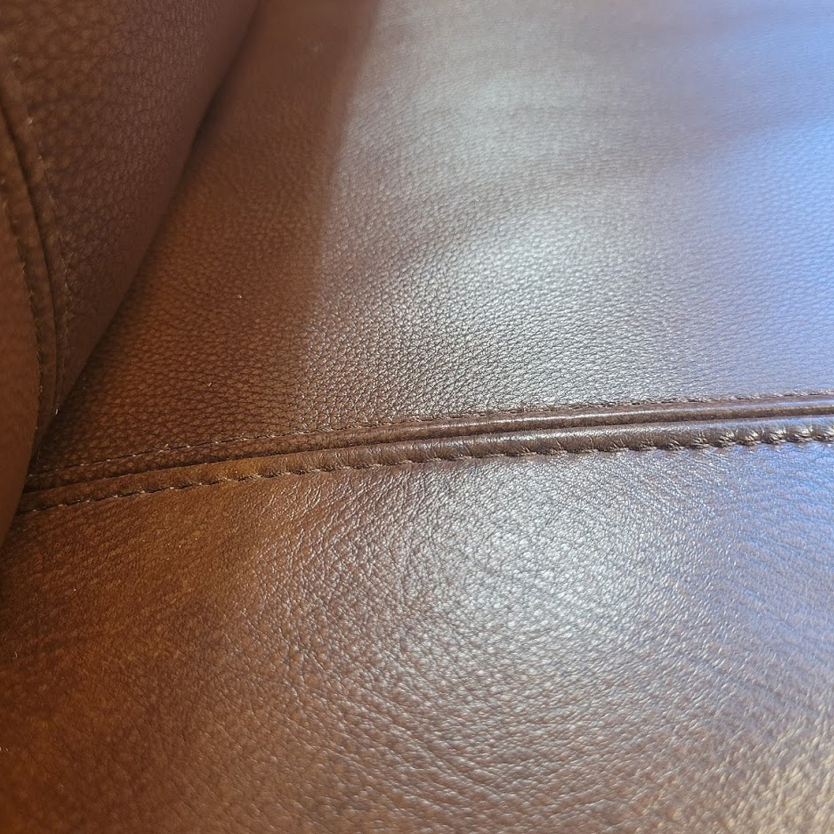Picture of GANNON RECLINER W/PHR