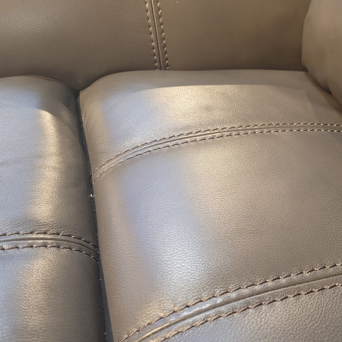 Picture of EGMONT RECLINER W/PHR